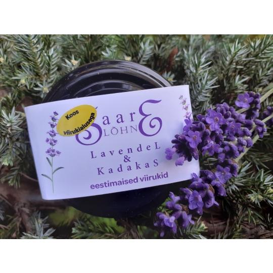 Lavendel kadakas koos keraailise viirukialusega.jpg