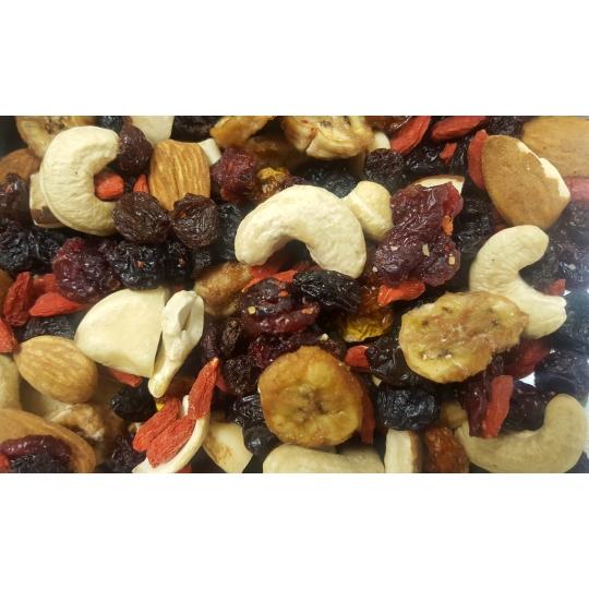 Pähklite ja puuviljade mix.jpg