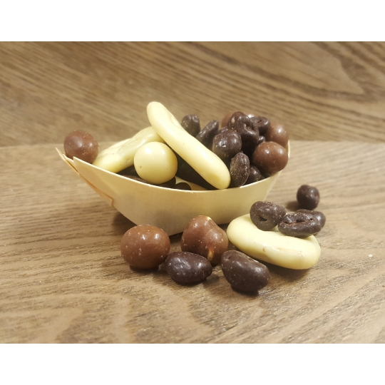 Puuviljad ja pähklid šokolaadis.jpg